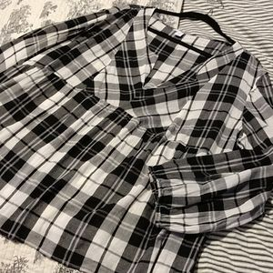 Old Navy Black/White Plaid Pullover Blouse XXL